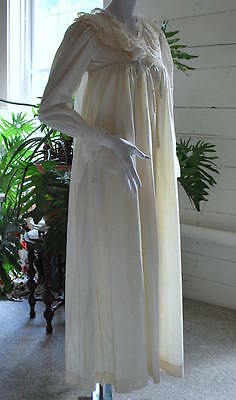 1900 Charming Ruffled And Eyelet Fine Cotton Nitegown