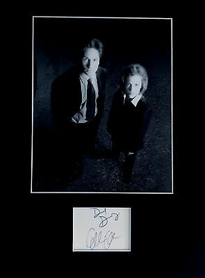 The X-Files signed autographs PHOTO DISPLAY David Duchovny Gillian  Anderson