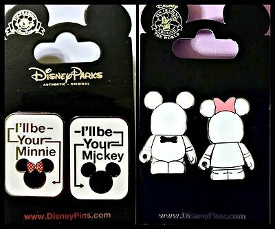 Mickey And Minnie Vinylmations Set Of 2 Trading Pins          580 Disney Parks