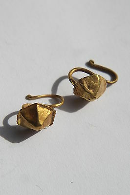 PAIR of ANCIENT ROMAN GOLD EAR RINGS 1/2nd CENTURY AD