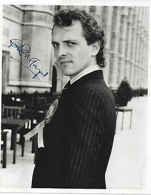 RIK MAYALL HAND SIGNED AUTOGRAPHED 8x10 PHOTO