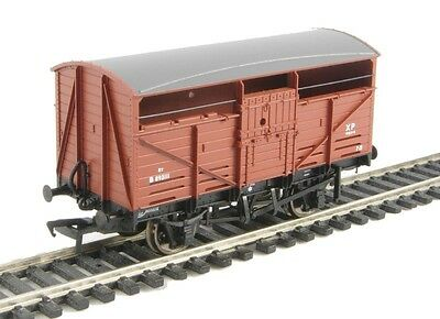 Bachmann Branchline OO 37-710A 8 Ton Cattle Wagon BR Bauxite (Early)