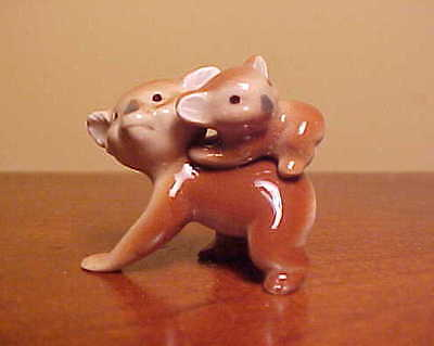 Hagen-Renaker Mini #950 MAMA KOALA WITH BABY Miniature Ceramic Bear/Cub Figurine