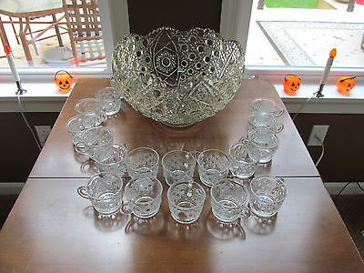 Vintage Le Smith Daisy & Button Glass Punch Bowl and 17 Cups