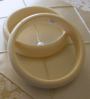 Vintage Ivory Plastic 1950'S -2 Cream Color Retro Smooth Bangles For Summertime