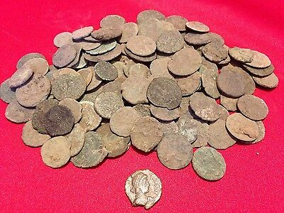 (1) HIGH GRADE Uncleaned Ancient Roman Coin / Constantine / A Part of History!