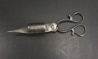 PAIR OF EARLY 19th CENTURY WROUGHT IRON CANDLE SNUFFER.  CIRCA 1820, EX COND.