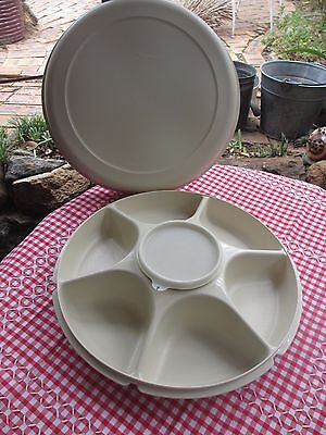 Tupperware large Serving Centre plus cover with centre dip container &  seal