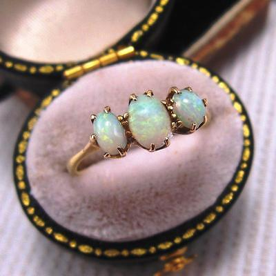 ANTIQUE EDWARDIAN PERIOD OPAL TRILOGY RING in 18ct GOLD size M