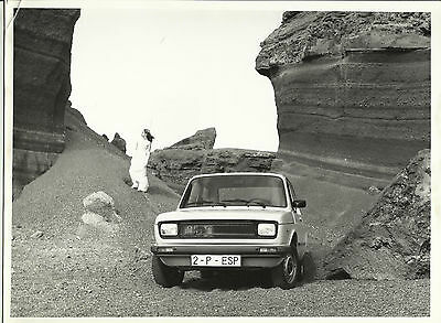 "Seat Fiat 127 Especial Press Photograph Specifications ""Girl on the Rocks"""