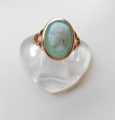 A SOLID 9cT GOLD ANTIQUE CAMEO RING