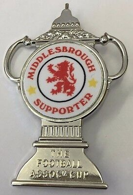 Middlesbrough Supporter FA CUP TROPHY INSERT METAL FOOTBALL BADGE