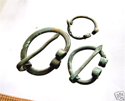 Set of 3 Ancient Bronze Fibula (k328).