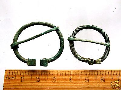 Pair of 2 Ancient Bronze Fibulas (k329).