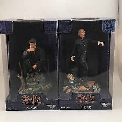 """Buffy the Vampire Slayer 9"""" Angel Master Collectible Sculpted Figures - Varner"""