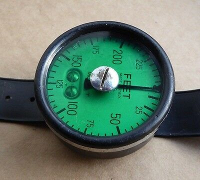 Vintage divers depth gauge, working, green tint, 250 feet, S.O.S. Model T. Italy