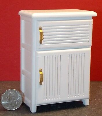 Dollhouse Miniature Ice Box White Refrigerator 1:12 inchscale Y18 Dollys Gallery