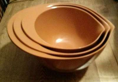 Williams Sonoma 3 Mixing Bowls Set  NEW Russet Orange Melamine