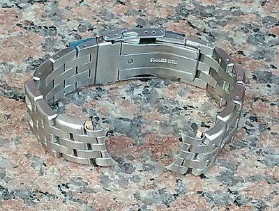 22mm Curved end Heavy Solid Brushed Stainless Steel Watch Bracelet 200mm Diver