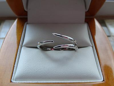 925 Silver Womens Unusual Design Band Ring - Size Q  - New
