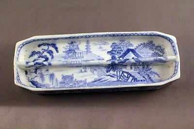 Very Unusual Early Wedgwood Willow Pattern Blue & White Pen Tray