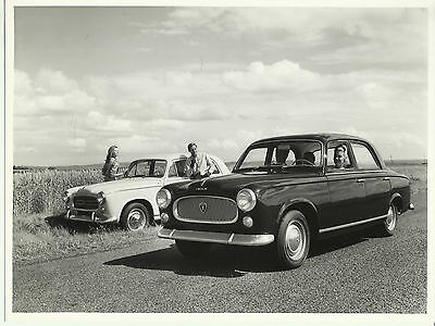 Peugeot 403 Berline Luxe B7 & Grand Luxe Original Photograph Beautiful Lifestyle