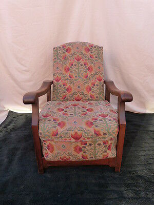 LOVELY VINTAGE 1920s/30s ADJUSTABLE UPHOLSTERED SPRUNG FIRESIDE ARMCHAIR.