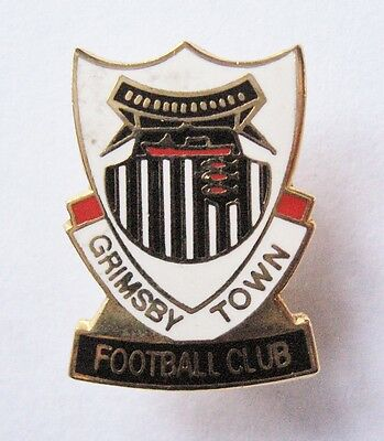GRIMSBY TOWN - Excellent Crest Style Enamel Football Pin Badge