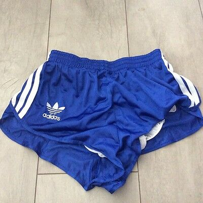 Short Adidas vintage taille 38 bleue