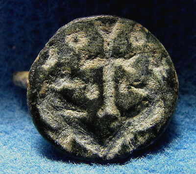 Interesting Christian Motive on Byzantine bronze ring SEAL 6-7 cen.AD. Judaea.