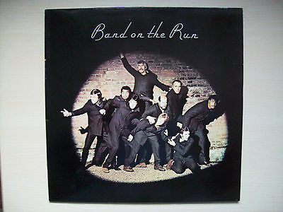 Paul McCartney and Wings, Band On The Run vinyl LP, PAS 10007 c/w inner & poster