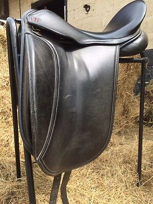 Jeffries Dressage Saddle 17.5""