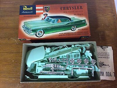 Vintage Revell Chrysler New Yorker De Luxe 1/32 Model Kit Car