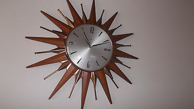 VINTAGE/RETRO METAMEC SUNBURST CLOCK IN GOOD CONDITION - 1960/70's • £66.00