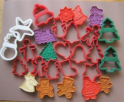 Lot of 27 Plastic Christmas Cookie Cutters Hutzler Santa Tree Angel Star Bell ++