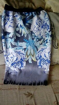 Ladies lipsy straight skirt, elastic waist,floral pattern, size 6