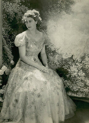 Photograph The Queen young Princess Elizabeth Black and White Photo (2)