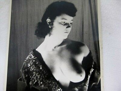 Vtg 1940s - 1950s Nude Erotic Pin-Up Photograph Bettie Page style ORIGINAL PRINT