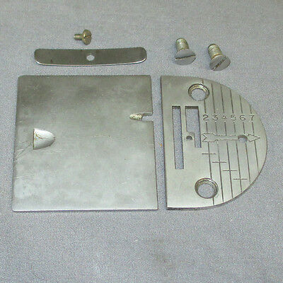 Vintage Singer Graduated Throat Bobbin Plate with Arrow 32783 fits 66 99 185 192