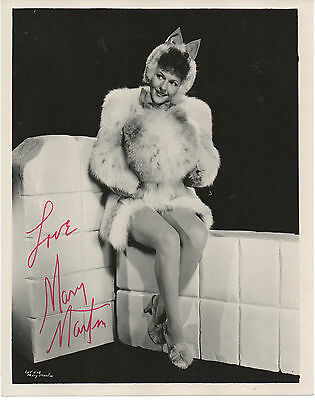 MARY MARTIN HAND SIGNED AUTOGRAPHED 8x10 PHOTO