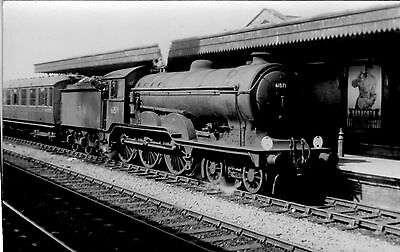 Photo Ex LNER Class B12 No 61571 seen at unknown Station