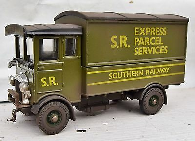 O Gauge Southern Railway Aec Express Parcels Lorry  Weathered
