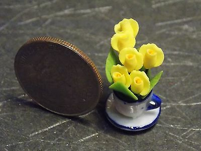 Dollhouse Miniature Bright Yellow Flowers in cup saucer vase L 1:12  1 inch G93