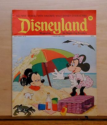 Disneyland Magazine #21 - Mickey & Minnie cover - 1972 Fawcett - large issue