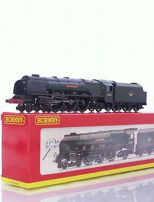 """Hornby R2312 Oo - Br Green Duchess Pacific Class Locomotive """"city Of Chester"""""""