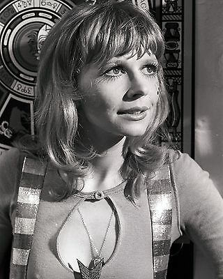 "Katy Manning Dr Who 10"" x 8"" Photograph no 14"