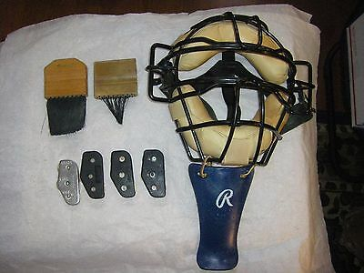 Vintage Umpire's Mask & 4 Counters & 2 Brushes