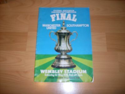 f.a.cup final programme manchester united v southampton 1st may 1976