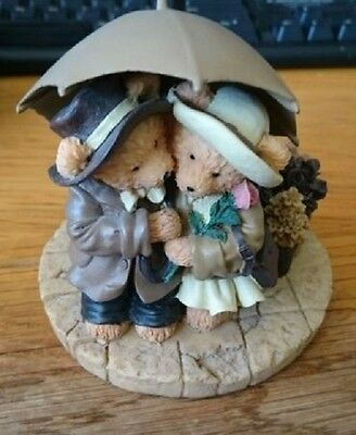 "Collectable Avon Beary ""Cuddles in the Rain"""