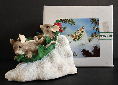 Silvestri CHARMING TAILS Dean Griff Xmas FLYING LEAF SAUCER mouse figurine EUC